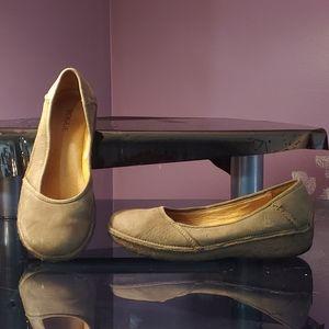 Rogue Women's Shoes